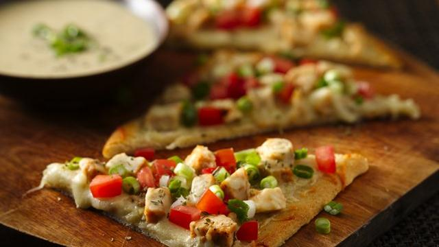 Garlic Chicken Pizza