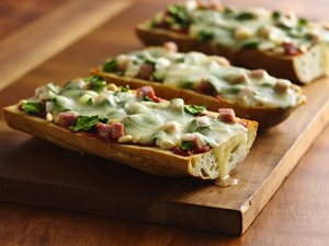 Spinach&#32;and&#32;Ham&#32;French&#32;Bread&#32;Pizza