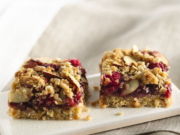 ... ? Then check out these great raspberry almond bars - a chewy treat