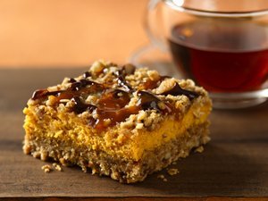 Pumpkin&#32;Streusel&#32;Cheesecake&#32;Bars