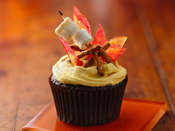 Campfire S Mores Cupcakes Recipe From Betty Crocker
