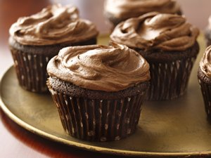 Sour&#32;Cream&#32;Chocolate&#32;Cupcakes