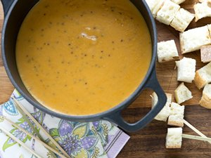 Cheddar,&#32;Beer&#32;and&#32;Pumpkin&#32;Fondue