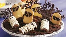 Graveyard Ice Cream Cookie Pie Recipe