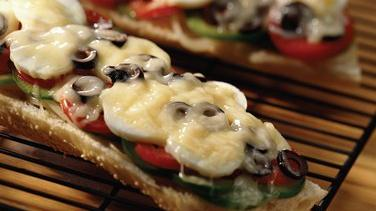 Niçoise French Bread Pizza