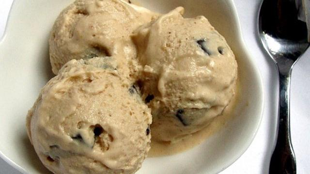 Peanut Butter-Chocolate Chunk Frozen Yogurt