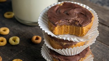 5-Ingredient Chocolate-Peanut Butter Cups