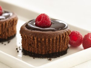 Healthified&#32;Mini&#32;Chocolate&#32;Cheesecakes