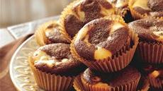 Chocolate Chip Cheesecake Swirl Cupcakes Recipe