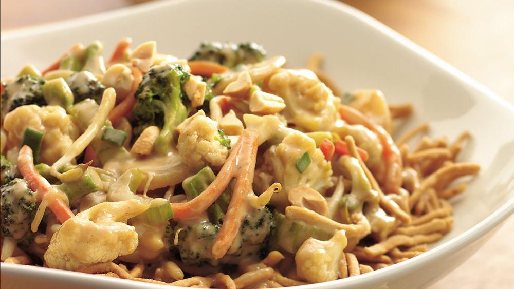 Vegetables in Peanut Sauce with Noodles