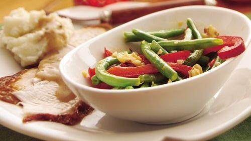 Green Beans with Peanut-Ginger Dressing recipe from Betty Crocker