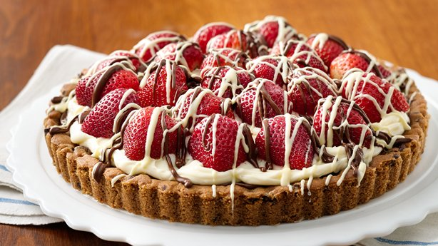 Strawberry-Mascarpone-Hazelnut Chocolate Tart
