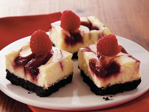 Raspberry-Swirl&#32;Cheesecake&#32;Bars