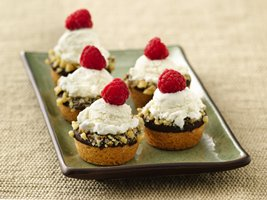 Mini Ice Cream Cookie Cups from Pillsbury.com