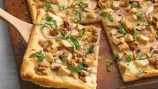 Chicken Alfredo Gorgonzola-Walnut Pizza Recipe