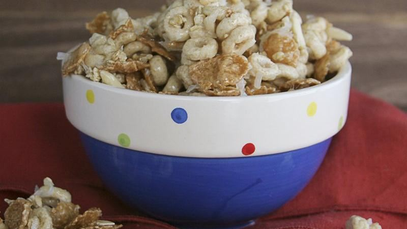 Gooey Cheerios Mix