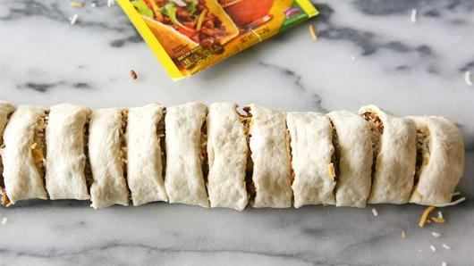 how to make meat roll dough