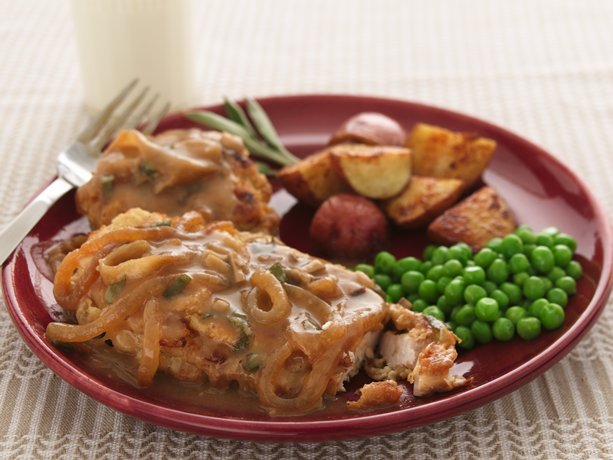 Image of Oven-fried Chicken With Sweet Onion-mushroom Gravy, Betty Crocker