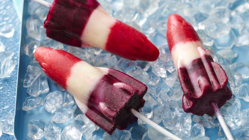 Red, White and Blueberry Lemonade Pops