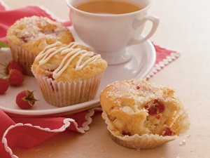 Raspberry-White&#32;Chocolate&#32;Muffins
