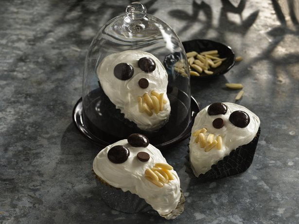 Scary Skull Cakes