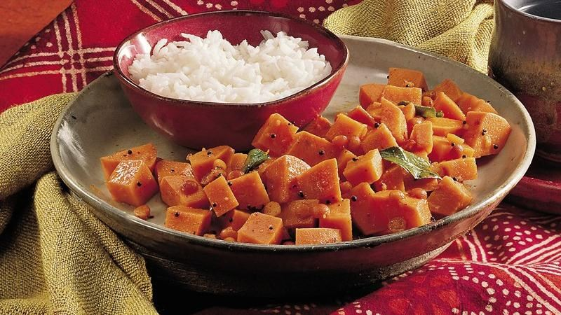 Sweet Potato Curry (Shakarai Urulikazhangu)