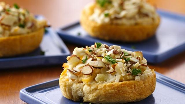 Image of Almond-chicken Crescent Crostini, Pillsbury