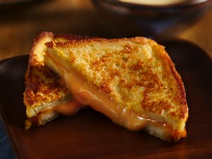 Inside&#32;Out&#32;Double&#32;Grilled&#32;Cheese