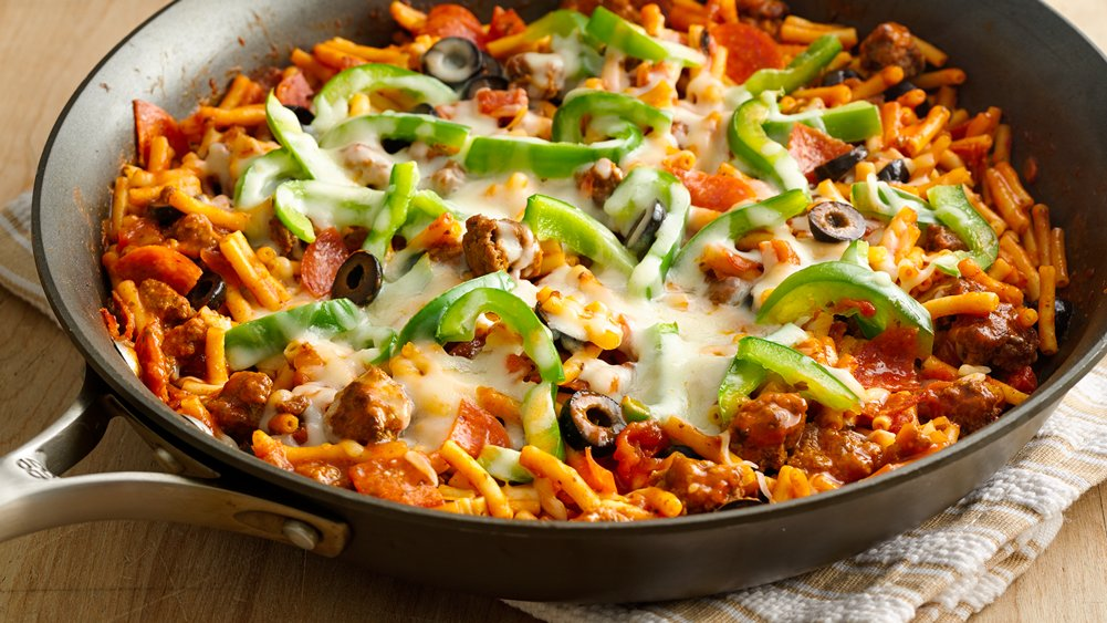 30-Minute Pizza Pasta Skillet