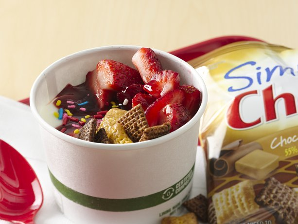 Yogurt Sundae | General Mills Convenience and Foodservice