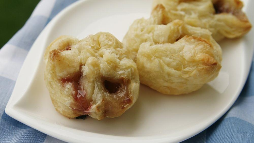 Raspberry-Brie Bundles