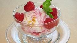 Peach Frozen Yogurt with Raspberry Swirl
