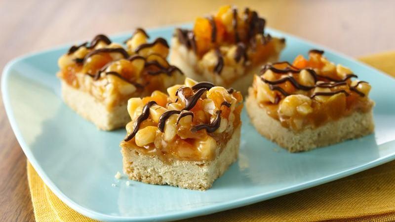 Apricot Macadamia Caramel Bars recipe from Betty Crocker