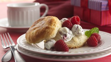 Raspberry & Cream Shortcakes (club store pack)
