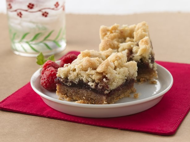 Raspberry Streusel Bars recipe from Betty Crocker