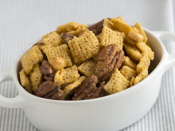 Cornbread Chex Mix