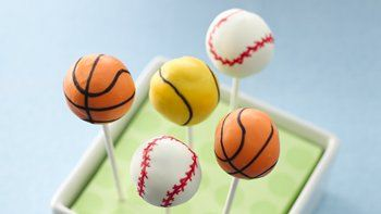 Cookies 'n Cream Sports Ball Cake Pops