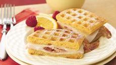 Monte Cristos with Raspberry Yogurt Dip Recipe