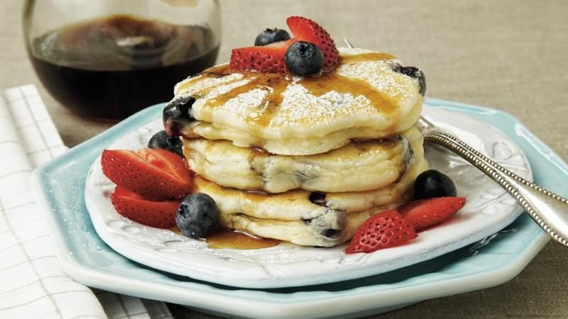 Easy Berry Pancakes