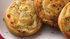Cheesy Pinwheels with Italian Dip Recipe