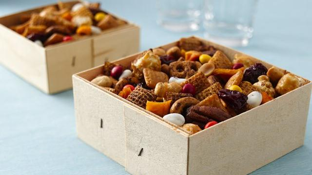 Georgia Peach Chex Mix