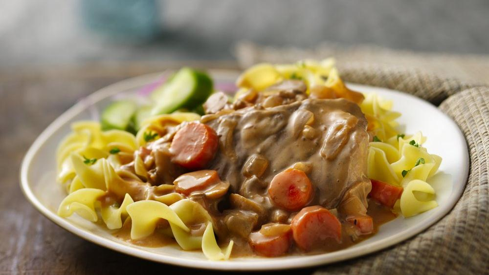 Slow-Cooker Mushroom Swiss Steak and Gravy