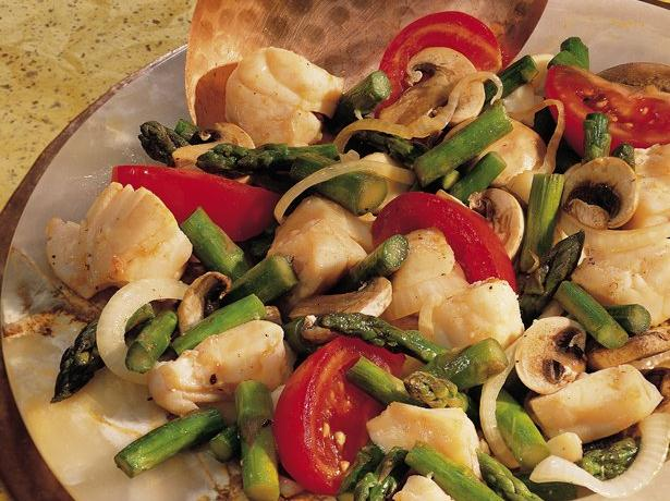 Halibut-Asparagus Stir-Fry 