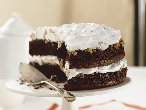 Peanut-Caramel-Candy Bar Cake