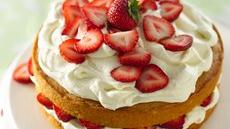 Strawberry and White Chocolate Buttercream Cake Recipe
