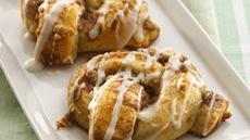 Streusel-Topped Pretzel Twists Recipe