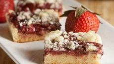 Strawberry-Shiraz Bars Recipe