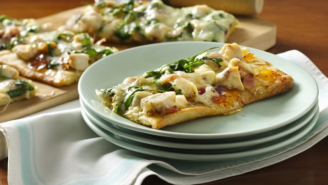 Apricot Dijon Chicken and Arugula Pizza 