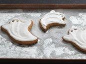 """Simply """"Spooky"""" Ghost Cookies"""