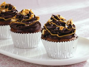 Salted Turtle Cupcakes